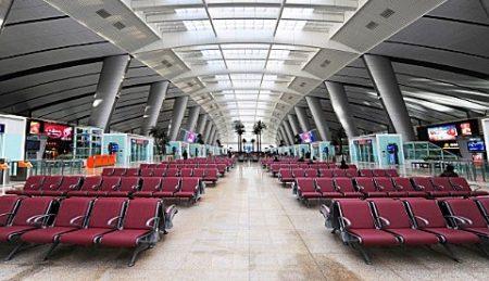 Зал ожидания в аэропорте Даболим