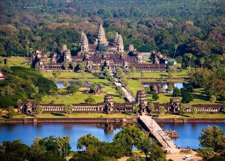 старинный культурный памятник - Ангкор