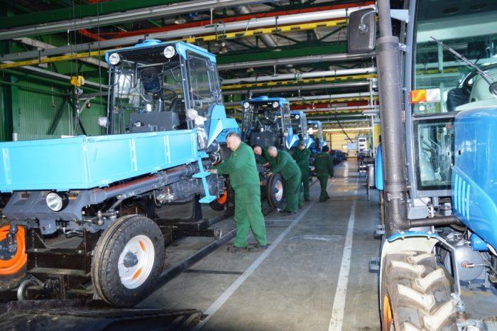 производство тракторов Владимире