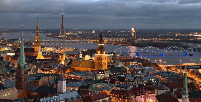 Медицинская туристическая страховка для поездки в Латвию: стоимость оформления и где можно купить