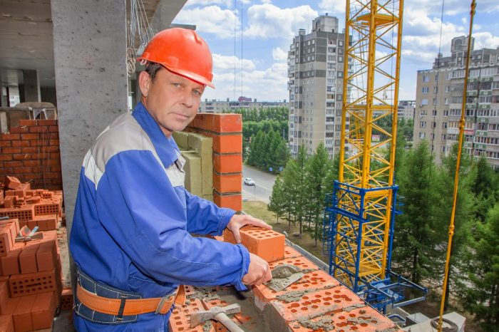 Работа каменщика
