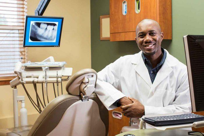 Стоматолог США