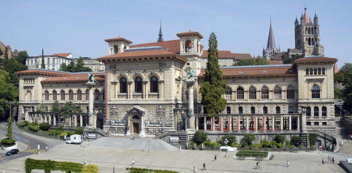 университет в Лозанне