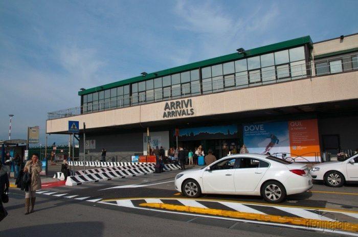 такси у аэропорта Бергамо