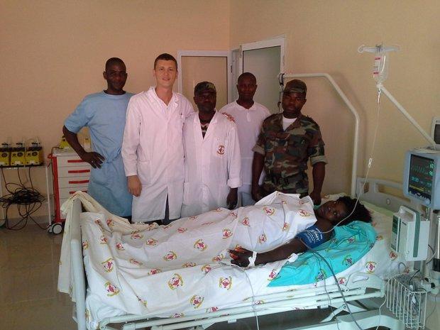 Медицинский персонал в Анголе
