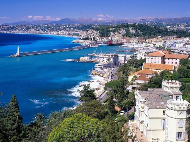 Анталья – курорт на Средиземном море.