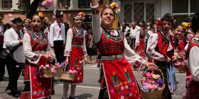 Обычаи и традиции Болгарии