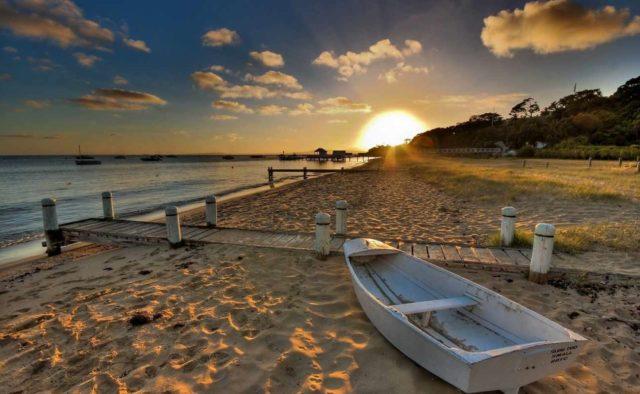 Куда поехать отдыхать осенью на море в тепло : Топ-10 европейских курортов для пляжного отдыха