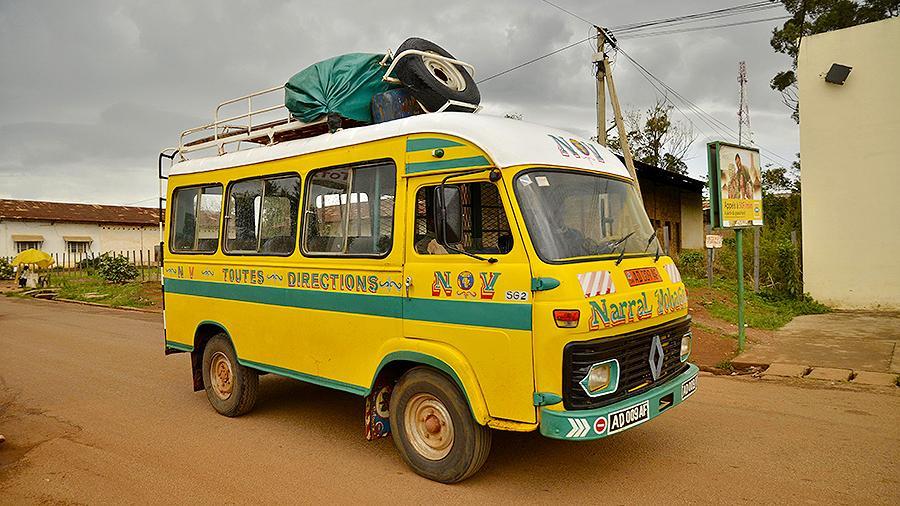 автобус в Камеруне