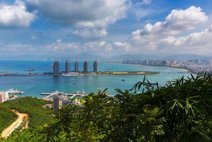 Бухта Дадунхай, остров Хайнань, Китай.