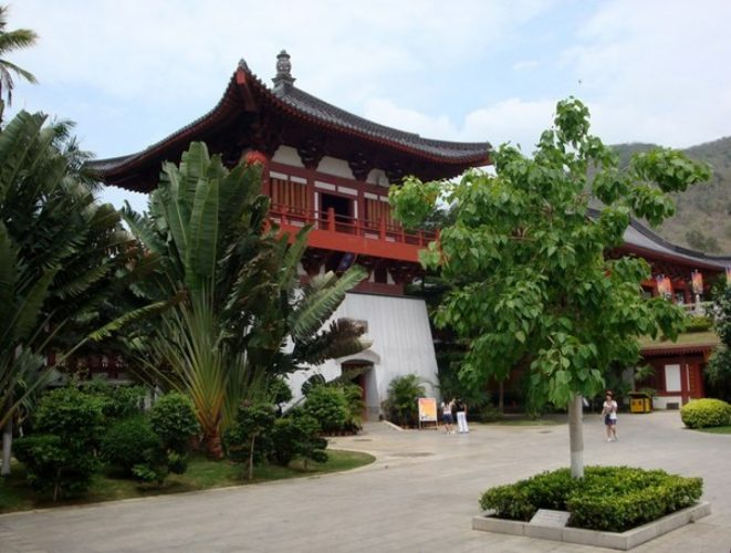 Даосский храмовый комплекс Дун Тянь