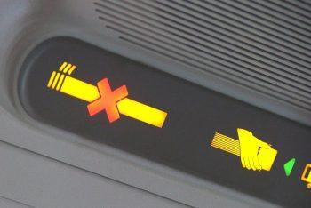 Курение на борту самолёта