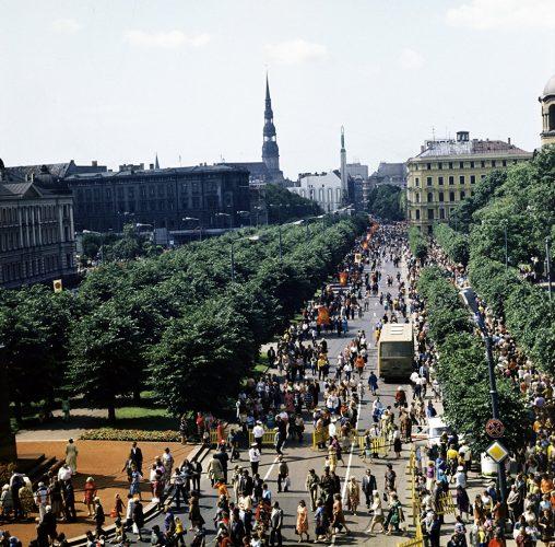 Центральная улица Риги - улица Бривибас, 1981 г.