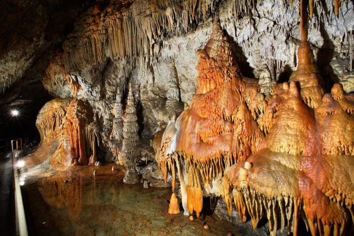 Деменовские пещеры