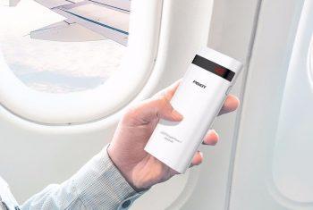 Повер банк в самолет
