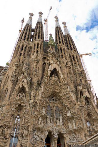 Собор Святого Семейства. Саграда Фамилиа. Барселона