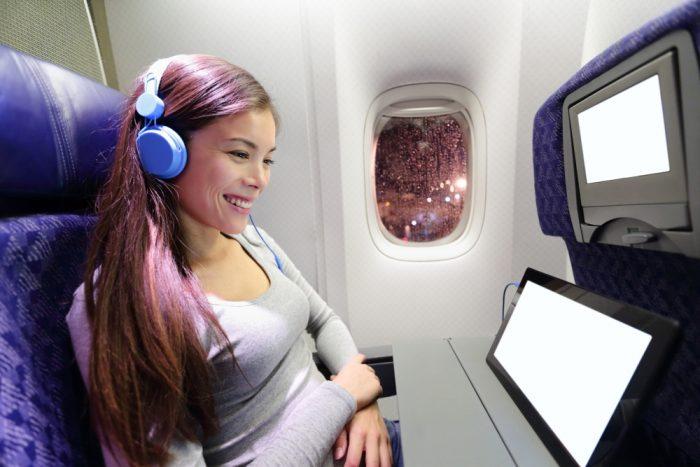 Наушники в самолете