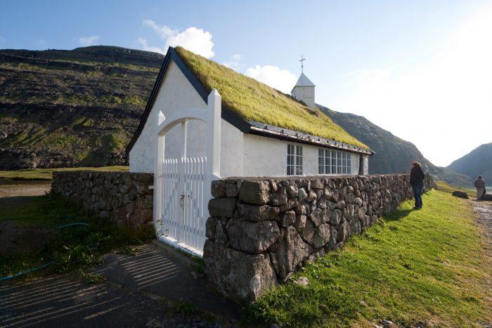 Церковь в деревне Саксун. Фарерские острова