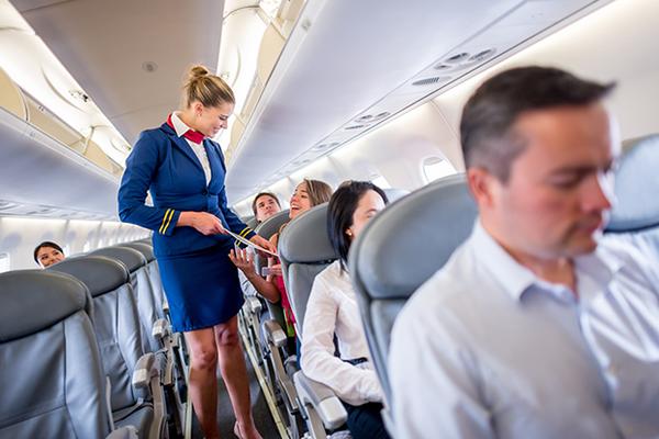 Перелет с 2-х месячным младенцем на самолете Аэрофлот и других авиакомпаний: когда можно летать с новорожденным ребенком, специальные гамак и люлька для полетов