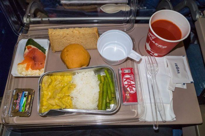 Обед на борту самолёта