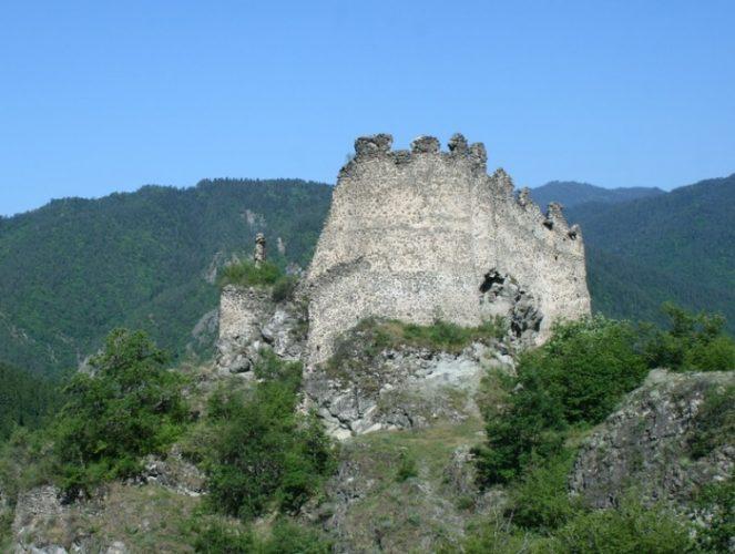Замок Петре, или крепость Петре (პეტრეს ციხე)