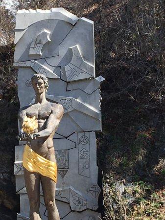 Памятник Прометею, Боржоми