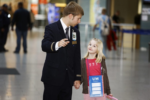 Услуга сопровождения ребенка в самолете