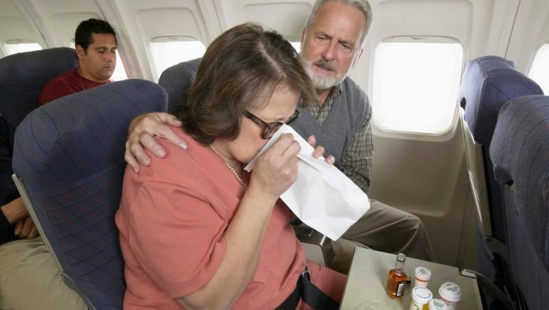 Что делать, если тошнит в самолете