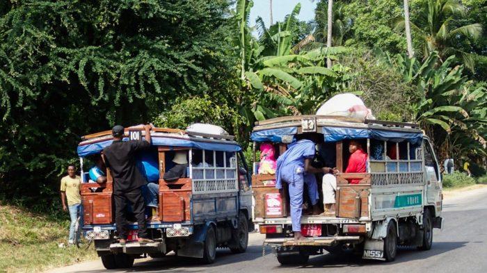 Местный транспорт Дала-дала