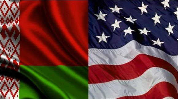 Флаги Белоруси и США