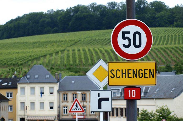 Табличка Шенген