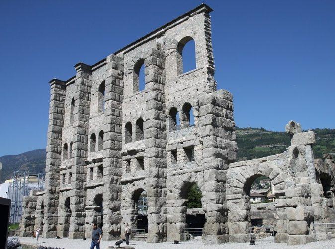 Римский театр в Аосте