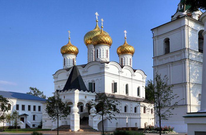 Фото Свято-Троицкий Ипатьевский монастырь в Костроме