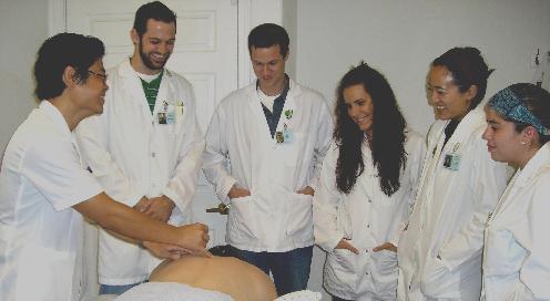 Западные врачи в китайской клинике