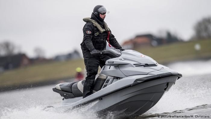 Полиция на водоёмах в Германии