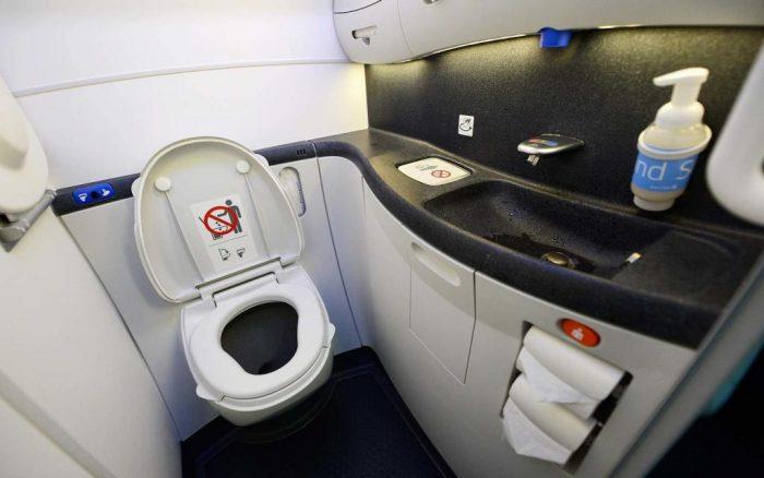 Туалет на авиабортах