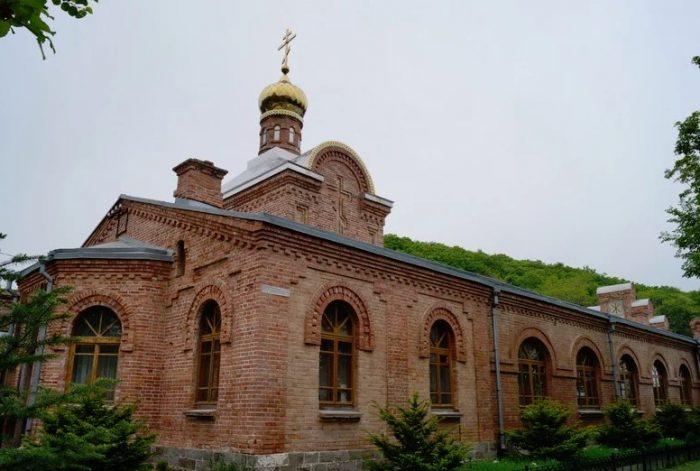 Свято-Серафимовский мужской монастырь, Владивосток