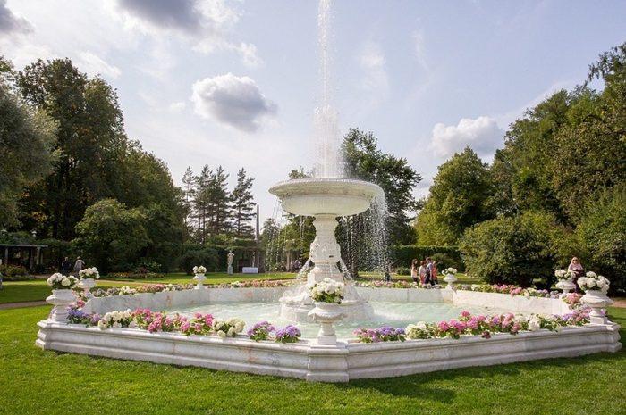 Мраморный фонтан в Царском Селе