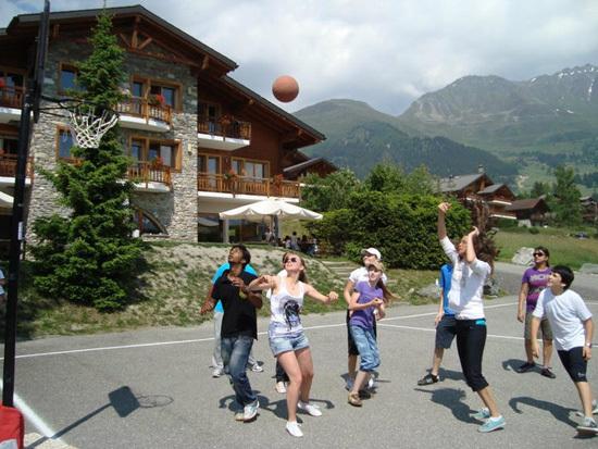 Летний языковой лагерь Les Elfes в Альпах