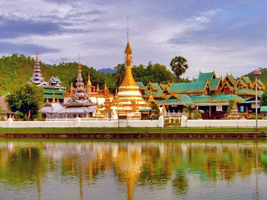 Храм Чонг Кланг в Мэхонгсон