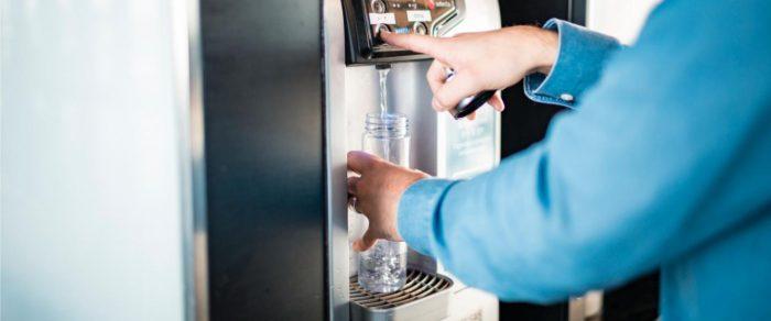 питьевой автомат в аэропорту вантаа