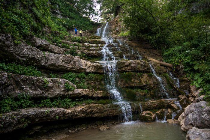 водопад на плато Лаго-Наки