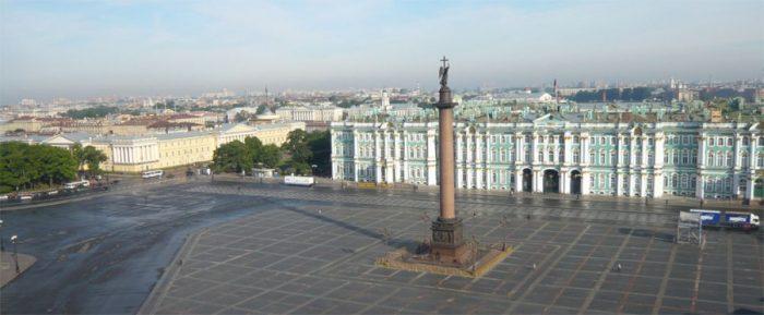 Зимний дворец и Эрмитаж в Санкт-Петербурге