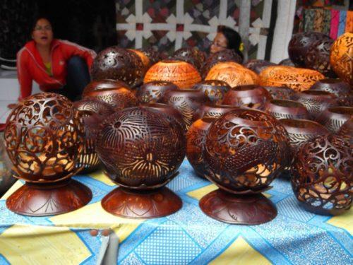 Деревянные вазы из Индии