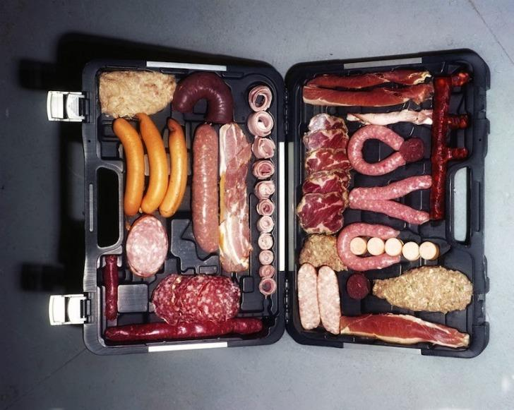 Можно ли перевозить колбасу в ручной клади на борту самолета