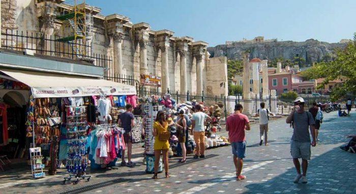 Сувенирные лавки у Акрополя