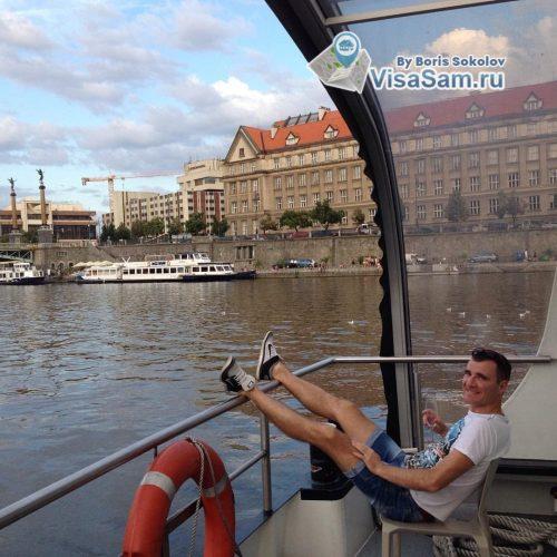 Прогулка по реке в Праге