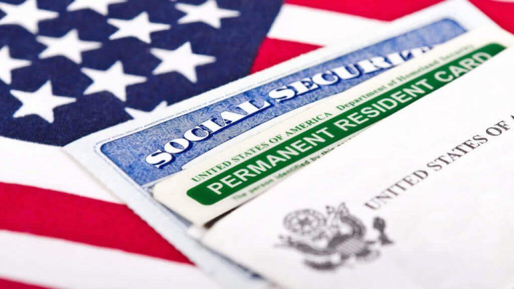 Нужно ли заполнять отчество в анкете на Green Card: что такое «middle name»