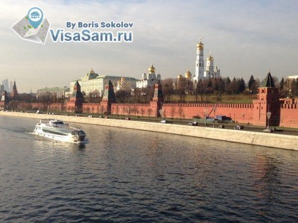 Кремль, Москва-река