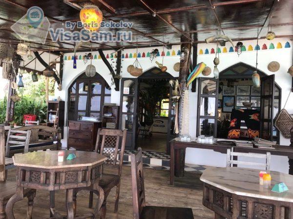 Кафе на пляже Нунгви
